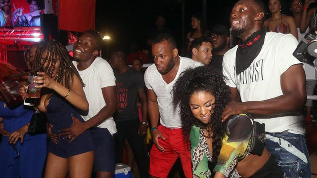 Usain Bolt partide fena dağıttı !