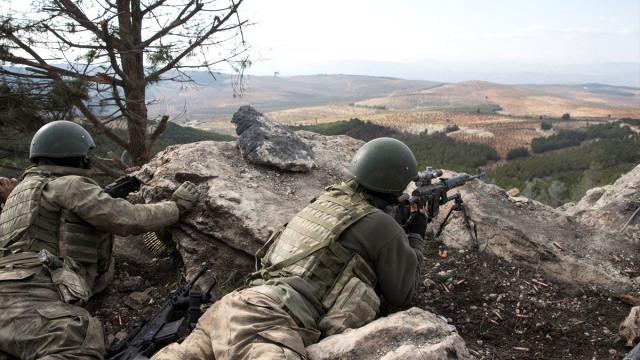 Afrin'de bir köy daha teröristlerden temizlendi