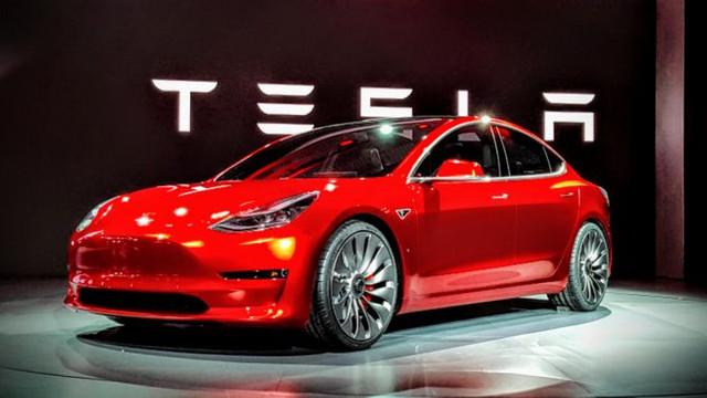 Elon Musk'ın Tesla'sı zararda !