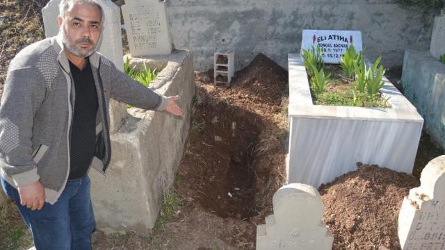 Acılı aile bebeklerini mezarında bulamadı