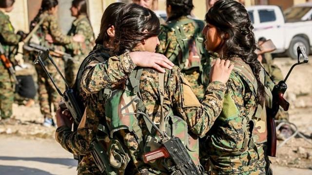 Teröristler Afrin'de çocukları savaşa zorluyor