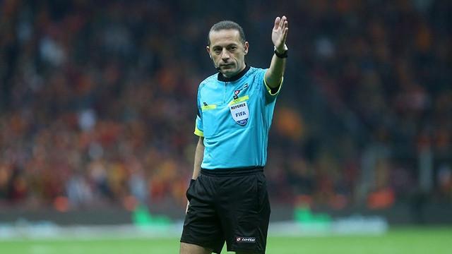 UEFA'dan Cüneyt Çakır'a dev maç !