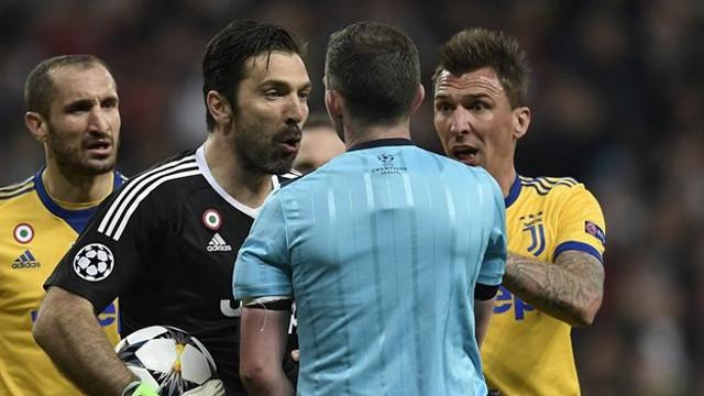 Buffon'dan maçın hakemi için olay sözler !