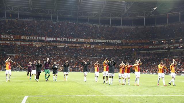 Galatasaray'dan Başakşehir'e 'yetersiz bakiye' göndermesi