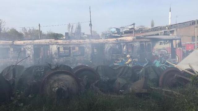 Haydarpaşa Garı'ndaki boş vagonlarda yangın çıktı