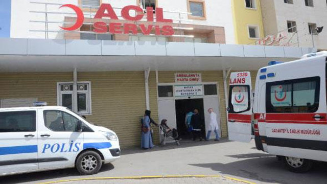 Gözaltındaki şahıs, polislerin arasında silahlı saldırıya uğradı