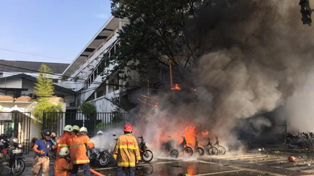 Motosikletli teröristler dehşet saçtı