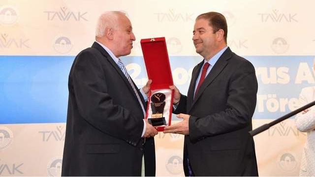 TAVAK'tan Başkan Ali Kılıç'a anlamlı ödül