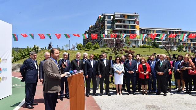 """""""Azerbaycan 100. Yıl Parkı"""" Maltepe'de açıldır"""