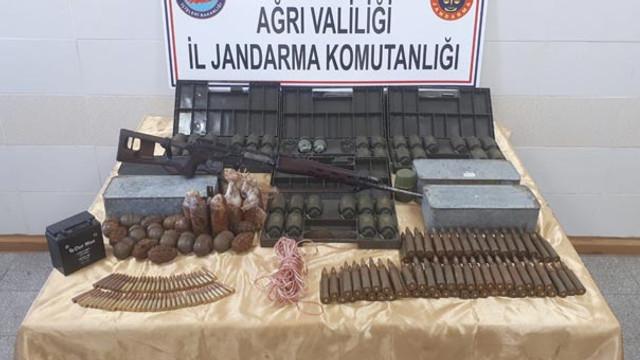 Ağrı'da 61 el bombası ele geçirildi