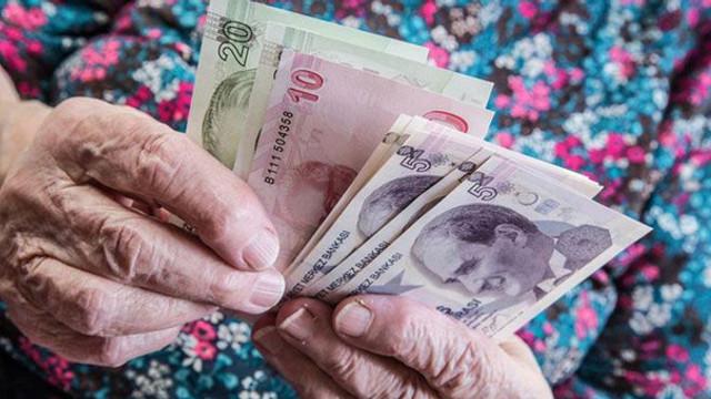 Yaşlı aylığına 75 lira zam