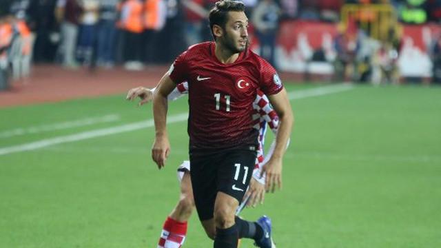 Hakan Çalhanoğlu Mili takım kadrosundan çıkarıldı !