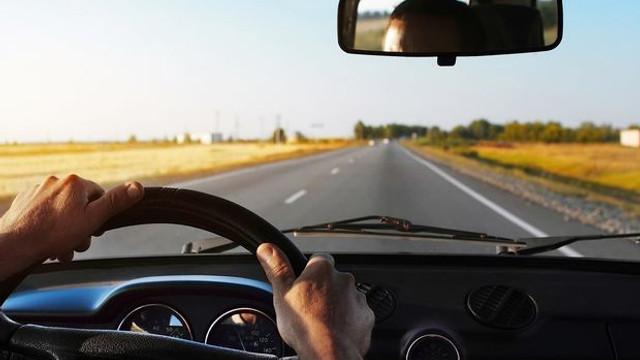 Sedan ve SUV araçlarda arka kamera zorunlu oluyor