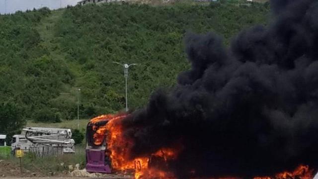 Seyir halindeki halk otobüsünde yangın