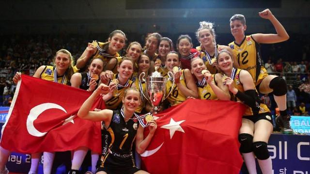 Avrupa şampiyonu Vakıfbank ülkeye döndü !