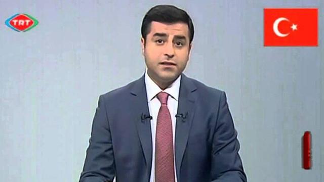 Demirtaş'ın TRT konuşması dev ekrandan izlettirilecek
