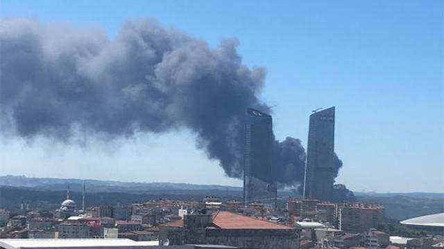 İstanbul'da çok büyük yangın; dumanlar gökyüzünü sardı