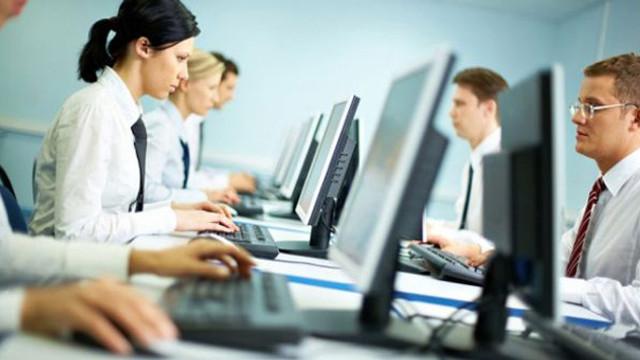Kamuda çalışan sözleşmeli personele ''izin'' müjdesi