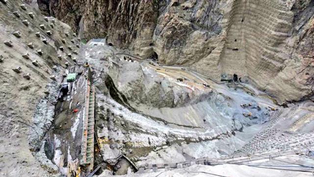 Türkiye'nin en yüksek barajında kazı çalışmaları bitti