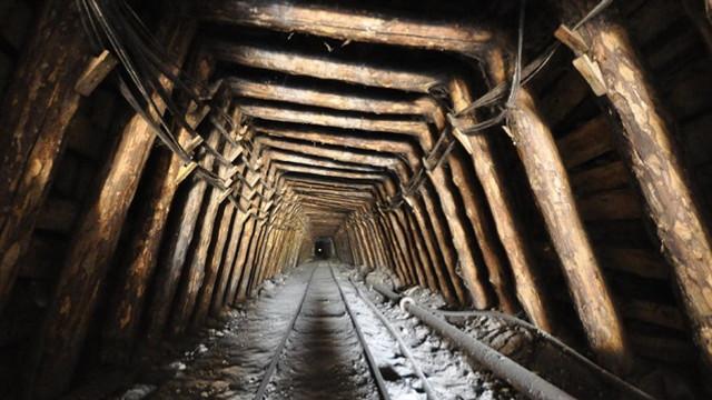 Maden ocağında göçük: 2 işçi göçük altında
