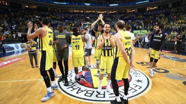 Fenerbahçe Doğuş'tan TOFAŞ'a büyük fark !