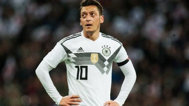 Alman Milli takımında Mesut Özil depremi !