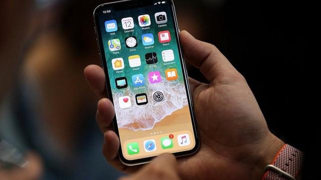 Apple iPhone sahiplerinin beklediği güncellemeyi yayınladı