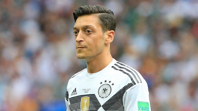 Mesut Özil Milli takımı bırakıyor !