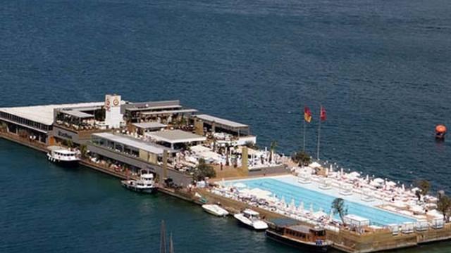 Galatasaray Adası'nda ikinci yıkım başladı !