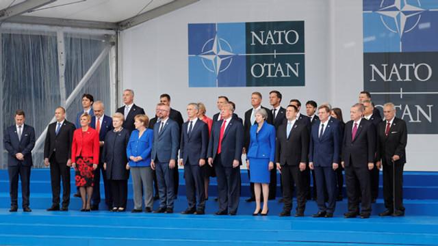 Erdoğan NATO Zirvesi'nde ! Liderler aile fotoğrafı çektirdi
