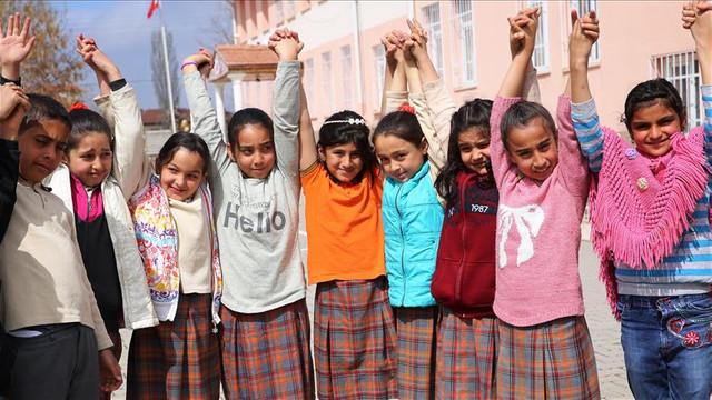 Suriyelilere ücretsiz Türkçe ve meslek eğitimi verilecek