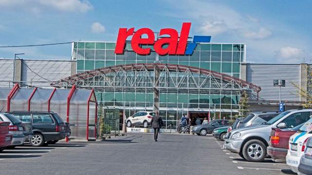 Süper market devi satılacak mı ?