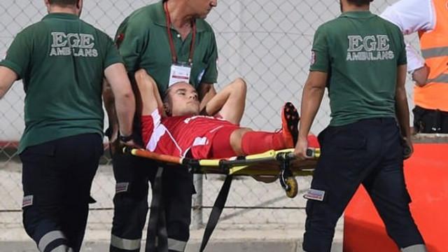 Fenerbahçe maçında şok sakatlık ! Hastaneye kaldırıldı...