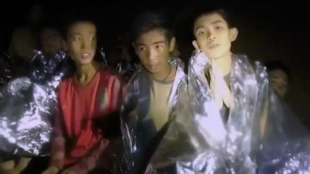 Mağarada mahsur kalan çocuklardan 6'sı kurtarıldı