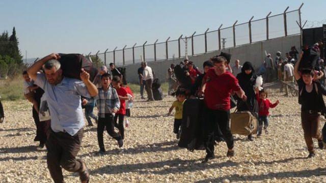 Suriyeliler bayramı duyunca koşarak Suriye'ye döndü