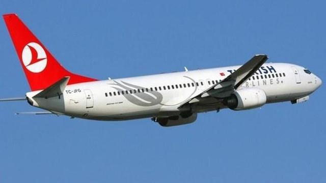 THY uçağında salgın paniği ! 10 yolcu birden hastalandı
