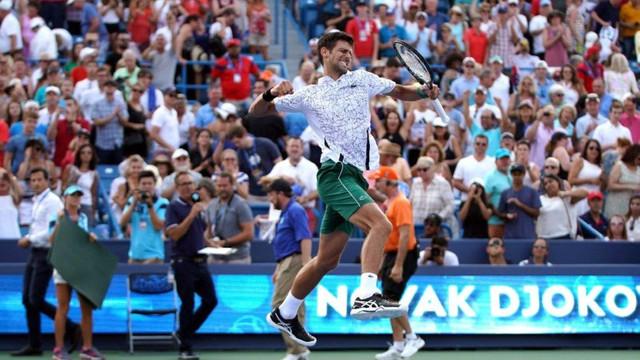 Dev finalde kazanan Djokovic !