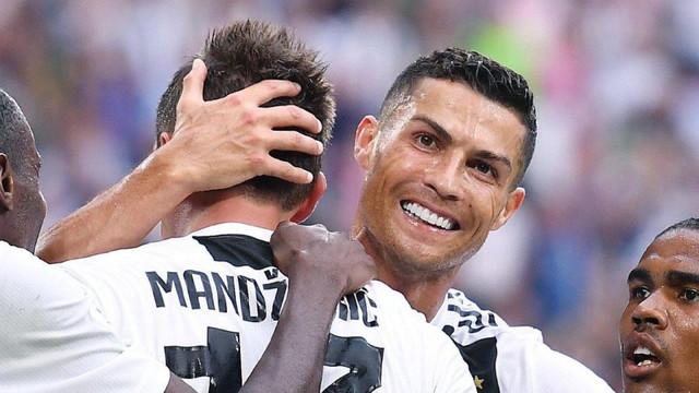 Juventus taraftarıyla gala yaptı !