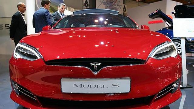 Elon Musk'tan tüm dünyayı şaşırtan Tesla kararı