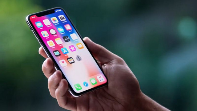 Türkiye'de 15 bin TL'ye satılacak olan yeni iPhone görücüye çıkıyor