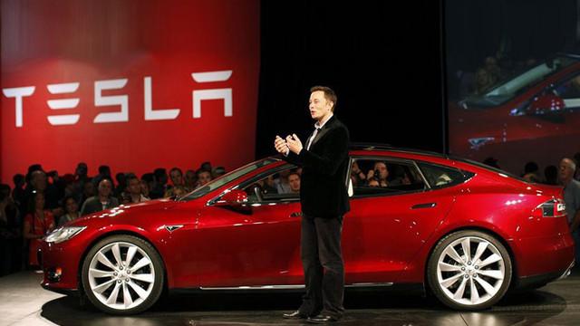 Elon Musk +18 film yıldızı mı olacak ?