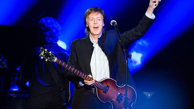 Ünlü şarkıcıdan iğrenç itiraf: ''Birlikte mastürbasyon yaptık''