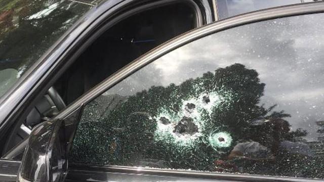 Lüks araçtaki kadına silahlı saldırı !