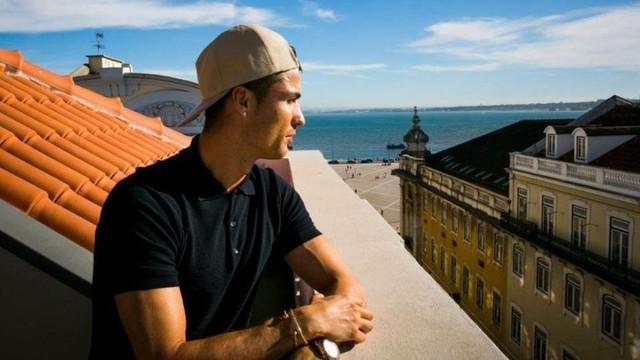 Ronaldo, Paris'e dev yatırım !