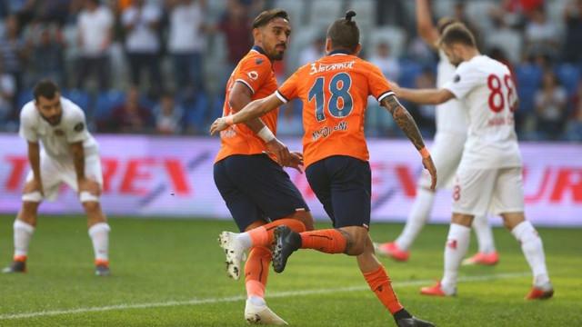 Başakşehir'den Antalyaspor'a farklı tarife !