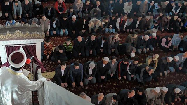 İmam, camide Suriyeli kadınla basıldı iddiası: Temizlik yapıyorduk, çok yorulmuşuz