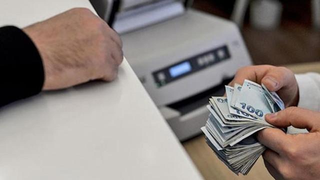 Kamu çalışanlarına 1.083 lira ikramiye