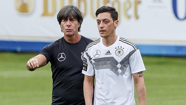 Mesut Özil görüşme talebini reddetti
