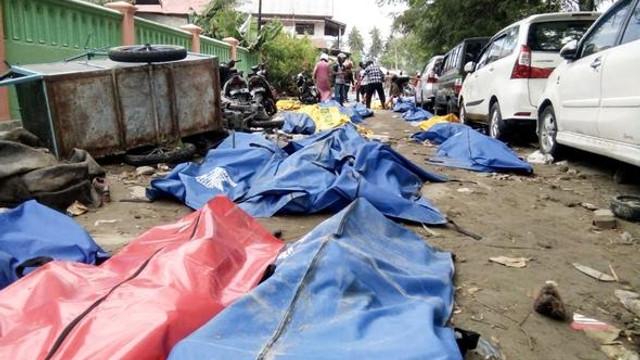 O ülkeyi doğal afetler vurdu: 384 kişi öldü