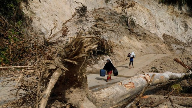 Tsunaminin ardından şimdi de heyelan faciası